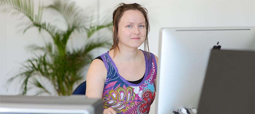 IOStudion tradenomiharjoittelija Maria Saarijärvi